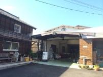 窯元の倉庫を改造したお店
