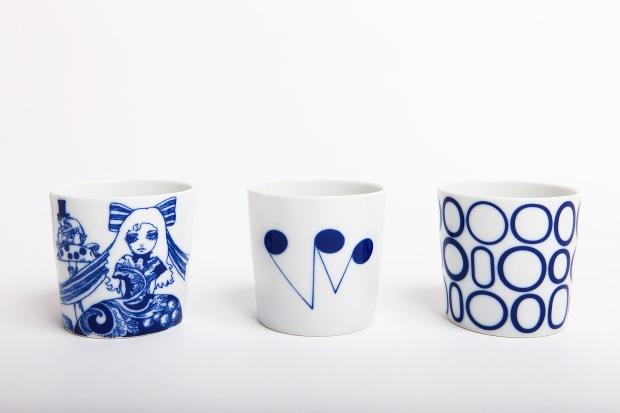 170人のクリエイターと有田の窯元がつくる 熊本天草陶石の磁器展 藍色カップ